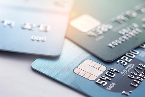 未成年がクレジットカードを作れるのか