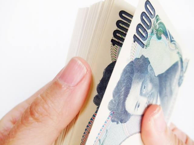 クレジットカード現金化業者は手作業の部分が多い