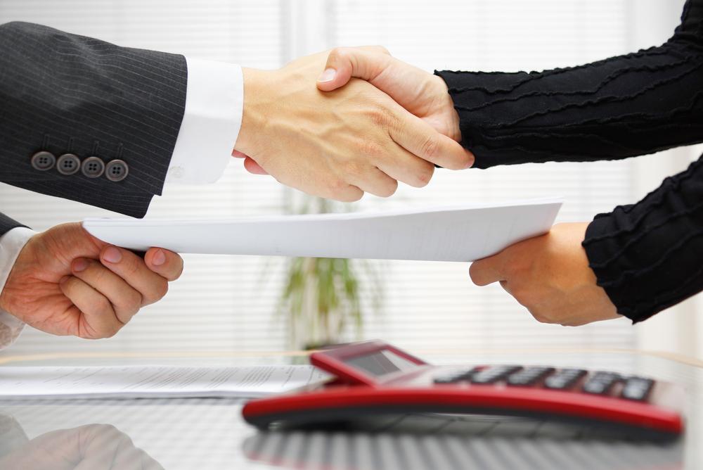 キャッシュバック方式によるクレジットカード現金化は売買契約成立条件となる