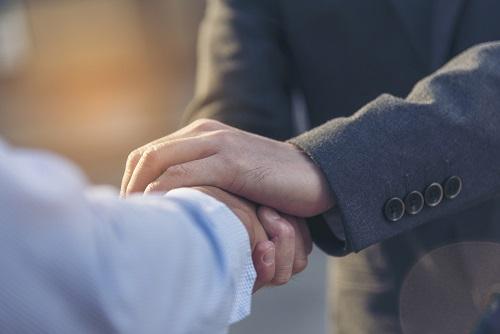 クレジットカード現金化業者の公式サイトは信頼度に直結する