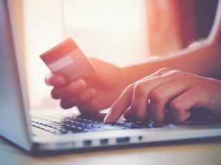 クレジットカード現金化をする際に向いているカードの支払い方法とは?